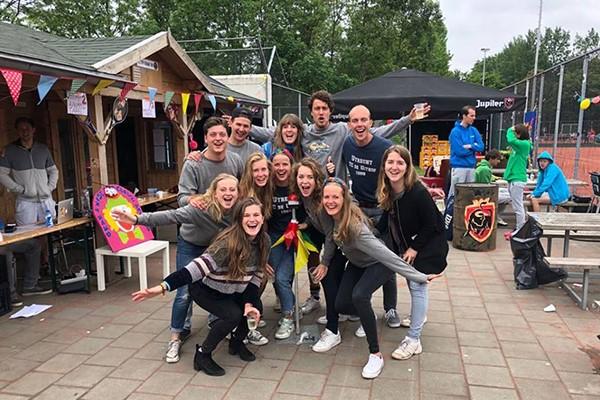 studenten team bij het NSK