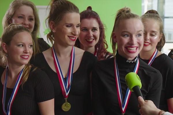 de meiden van de dansgroep