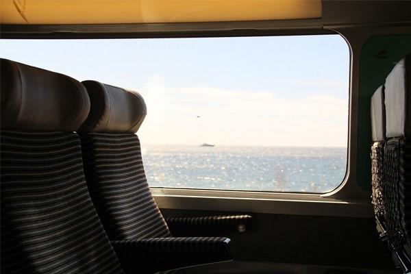 studeren-in-de-trein-afbeelding-blogpost