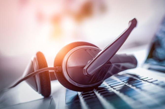headset-krapte-arbeidsmarkt-computer-laptop-toetsenbord