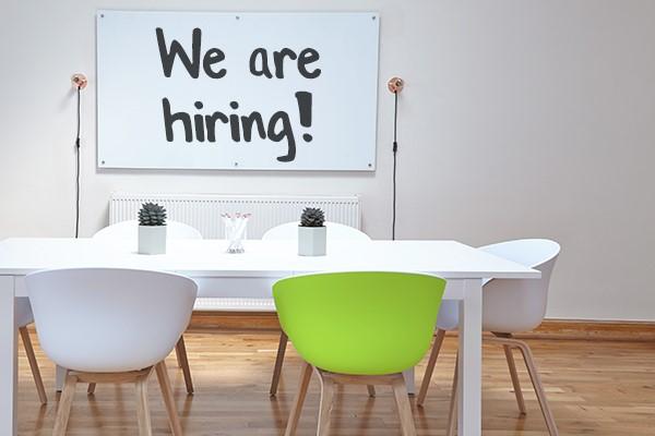 hiring-stoelen-tafel-bureau-afbeelding