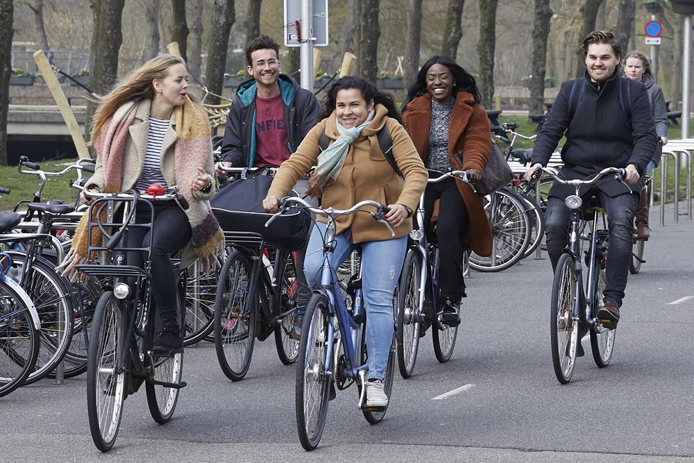 afbeelding-fietsen-naar-bijbaan-menzis-blogpost