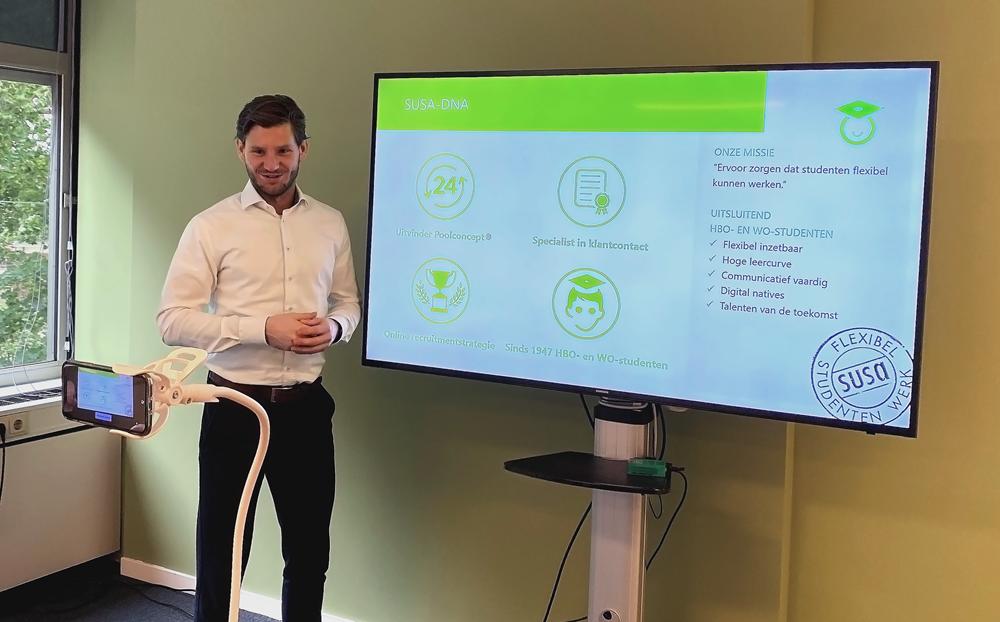 Business Consultant Marnix van den Heg tijdens een online presentatie